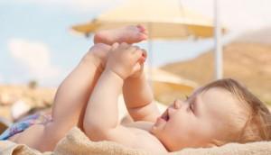 la protezione solare per bambino